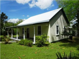 91 10th Street, Apalachicola $169,900-house on three city lots