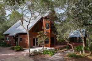 Harmony House - Waterfront, Apalachicola. $550,000